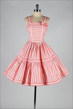 vintage dress / vintage hunter green striped dress / vintage party dress 1950 Dress Pattern McCall 8220 Womens Evening G. Vintage 1950s Dresses, Vestidos Vintage, Retro Dress, Vintage Outfits, Vintage Pink, Vintage Clothing, 1950s Fashion, Vintage Fashion, Edwardian Fashion