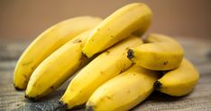 Can a Diabetic Eat Bananas – Banana Is Good Or Bad For Diabetes! Healthy Fruits, Get Healthy, Banana Recipes, Smoothie Recipes, Skin Whitening Foods, Clear Skin Diet, Dietas Detox, Banana Madura, Pregnancy Health