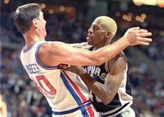 Dennis Rodman with (and against) his ex-teammates - PHOTOS