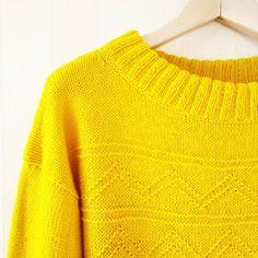 Немного 💛☀💛 вам сегодня! . А у меня в планах ещё связать такой чудный свитерок оверсайз! . Кому Нужен!?😉 . За всей подробной информацией… Easy Knitting, Pullover, Sweaters, Fashion, Moda, Couture Facile, Fashion Styles, Sweater, Sweater