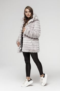 Podążamy za modą nie krzywdząc zwierząt. Bezpieczne zakupi i zawsze darmowa dostawa.  #sztucznefuterko #futerko #sztucznefutro #ekologicznefutro #syntetycznefutro #kurtkafutrzana #kurtkazesztucznegofuterka #zesztucznegofuterka #szarafutrzanakurtka #futrzanakurtkazkapturem #modnefuterko #polskiproducent #moda2019 #szarakurtka Fur Coat, Winter Jackets, Fashion, Winter Coats, Moda, Winter Vest Outfits, Fashion Styles, Fur Coats, Fashion Illustrations