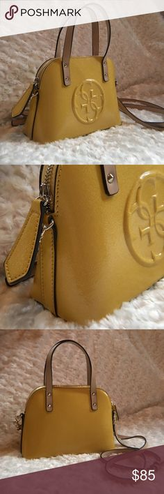 Women's Guess Leather Handbag Item is in excellent condition. Brand new with no tag. Bags Clutches & Wristlets