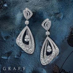 Incorporating the finest diamonds complemented by luscious rubies and emeralds and rich, dramatic sapphires emulating the allure of twilight, the Luna collection comprises elegant earrings. #GraffDiamonds #Luna #Diamonds