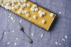Vanessa Pouzet : La recette de la tarte aux abricots meringuée, une variante originale de la tarte au citron. Légèrement acidulé, sans gluten et sans lactose