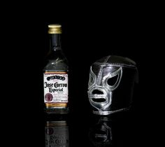 #Mofo #MadPicLab Daniela Meli Group Art Projects, Jack Daniels Whiskey, Photo A Day, Whiskey Bottle, Lab, Labs, Labradors