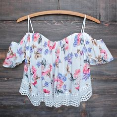 Boho chic off the shoulder crop top with lace trim (more colors) boho chic off the shoulder crop top with lace trim (more colors) – shophearts – 5 Cute Crop Tops, Black Crop Tops, Crop Top Outfits, Cute Outfits, Boho Fashion, Fashion Outfits, Womens Fashion, Looks Pinterest, Crop Top Sweater