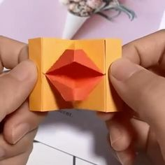 Easy Paper Crafts for Kids and Adults Diy Crafts Hacks, Diy Crafts For Gifts, Diy Arts And Crafts, Creative Crafts, Cool Paper Crafts, Paper Crafts Origami, Diy Paper, Instruções Origami, Modular Origami
