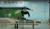 Videos Bangin - Luan de Oliveira 2013 - Mais uma linha com o skatista brasileiro Luan de Oliveira, Bangin vídeos clássicos lançados pela The Berrics, com atletas profissionais.