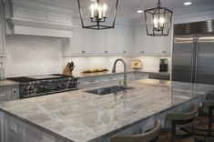 Redesigning Your Kitchen Area: Choosing Your New Kitchen Counter Tops – Outdoor Kitchen Designs Outdoor Kitchen Countertops, Kitchen Countertop Materials, Granite Kitchen, New Kitchen, Kitchen Counters, Kitchen Ideas, Countertop Options, Kitchen Cabinets, Maple Cabinets