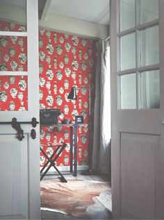 Red Wallpaper / Rood behang collectie Porcellano - BN Wallcoverings