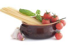 One Pot Meals : nos 5 recettes préférées Pots, Rice Cereal, One Pot Pasta, One Pot Meals, Good Food, Fun Food, Celery, Serving Bowls, Spaghetti
