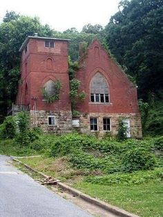 Abandoned church in Chattanooga, Tennessee
