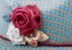 Simple elegant yet Ranchy #vintageembellishedcowgirlhat with red beaded and white and red handmade leather roses and gold vintage embellishments!!   Size 7 1/8 20X  $225.00  www.therowdyrose.com   1879 W. Lincoln banning California 92220   Monday-Saturday 9-6 Sunday 9-2 #vintageembellishedcowgirlhat #vintageembellishedcowgirlhats #rowdyrose #rowdyrose #trr