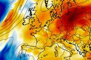 Hot weather HITS UK! Temperatures pass 19C as Britons enjoy hottest day this year -  N/A  This weekend saw the hottest temperatures of the year so far  As the spring sunshine has sent us into double-digits Britains temperatures have reached their highest point of the year so far.  Warm winds from the south has brought the first taste of spring seeing many Britons taking advantage of it by hitting the beach.  Fridays 17.3C high (63F) was the hottest day so far but was surpassed today in…
