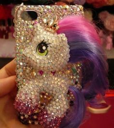 I'd love for my phone to have this case <3