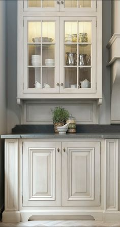 Kitchen Design by Minnie Peters, for Andrewryan. THE DETAILS..LIGHTED CABINETS, WIDE BEADBOARD ON INSIDE THE CABINETS, DOUBLE CABINET DOORS, CURVED DETAIL AT BASE  AND RAISED PANEL BEING USED ON THE BASE CABINET....THIS LOOK LIKES A PIECE OF FURNITURE...♥♥♥