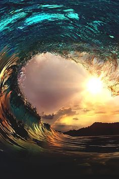Nature - Sunset wave. - Ocean