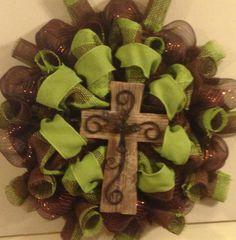 Burlap wreath & Cross