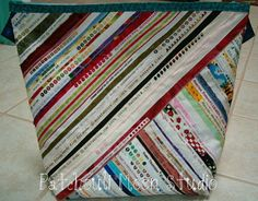 A blog about quilting, knitting, handbags and more.