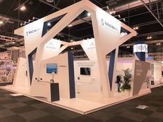Have a look at the challenging construction of this stand we realized for NAV Canada at the World ATM Congress in Madrid, Spain! #justquality #teamhoynck