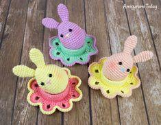 Easter bunny egg and flower egg cozy - Free crochet patterns