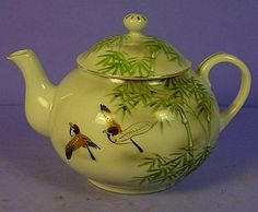 ANTIQUE-JAPANESE-TE-OH-NIPPON-PORCELAIN-BIRDS-BAMBOO-TEAPOT