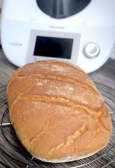Crispy mixed bread from Thermomix® - my magic pot Fun Cooking, Cooking Recipes, Kitchen Queen, Pampered Chef, Bread Recipes, Bakery, Food Porn, Brunch, Food And Drink