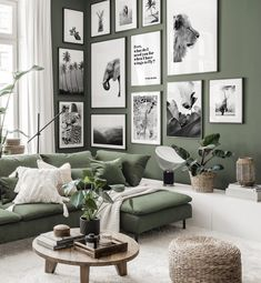 Living Room Green, Green Rooms, Home Living Room, Small Apartment Living, Living Room Decor Cozy, Casa Hygge, Interior Design Living Room, Living Room Designs, Room Interior