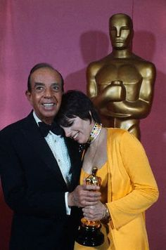 Liza and Vincente Minnelli at the Academy Awards ~ 1973- Liza holds her Best Actress Oscar for Cabaret