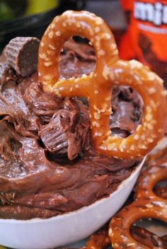 Peanut Butter Cup Brownie Batter Dip | www.somethingswanky.com