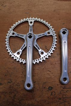 Pista crankset is milled and profiled and re anodized, drilled chainring, via Flickr.