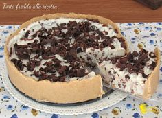 TORTA FREDDA ALLA RICOTTA E GOCCE DI CIOCCOLATO #torta #tortafredda #cheesecake #ricotta #cioccolato #senzacottura #easy #nooven #chocolate #chips #ricetta #recipe #foodporn #ilchiccodimais http://blog.giallozafferano.it/ilchiccodimais/torta-fredda-alla-ricotta-gocce-cioccolato/
