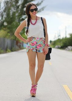i may have a thing for white tops patterned shorts and cute shoes