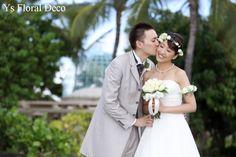 10月にハワイにて挙式の新婦さんより当日のお写真をいただきましたので、ご紹介いたします。とっても幸せなな笑顔のおふたり(^^)ブーケは現地で手配された生花...