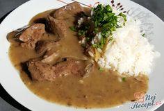 I hlavní jídlo může být připraveno za 15 minut. Kuřecí nebo krůtí játra jsou opravdu rychlovka. Pokud nestíháte připravit klasický oběd, při kterém je třeba strávit více času v kuchyni, tak určitě vyzkoušejte tento. Dokud se uvaří rýže připravíte i játra a ještě stihnete umýt nádobí. Mimo jiného i velmi chutné jídlo, které každý připravuje jinak a já bych se s vámi chtěla podělit s mým receptem. Autor: Kocmax Food And Drink, Pork, Chicken, Meat, Kitchen, Invite, Author, Mascarpone, Kale Stir Fry