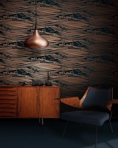 OH EM GEE.... One of my all@time favourite print designs has had a 10 year anniversary update!! Whitby by @minimoderns has been totally refreshed in this new midnight blue and metallic copper colour way and it is heart racingly stunning. This iconic design is now moody and sultry and luxe and just oh so beautiful!! What do you think guys? Have you got a spot for it? #whitby #10yearanniversary #minimoderns #patternwithastory #wallpaper #iconic #classic #pattern Icon Design, Print Design, 10 Year Anniversary, Copper Color, Happenings, Midnight Blue, Thinking Of You, All About Time, Metallic