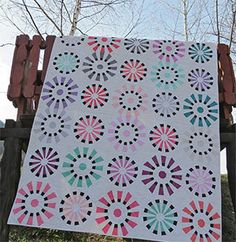 Quilting and sewing patterns: patchwork and applique quilt patterns, wholecloth patterns, bag and pouch patterns