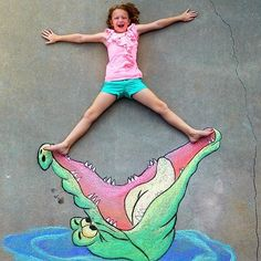 You Won't Believe What This Dad Can Do With Sidewalk Chalk, homg!
