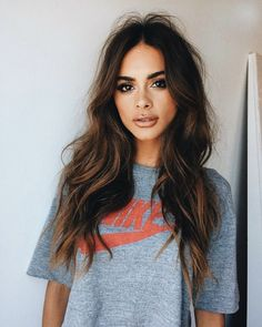 There are also hundreds of shades of hair color.Check out these brown hair color with highlights you'll want to try. Incorporating the latest hair color trends is an easy way to give your . Hair Day, New Hair, Brown Hair Colors, Brown Hair Inspo, Pretty Brown Hair, Gorgeous Hair, Beautiful Brown Hair, Balayage Hair, Hair Looks