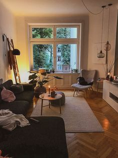 You want the space to reflect your personal style without feeling cluttered and … - Decoration, Room Decoration, Decoration Appartement, Home Decor, Bedroom Decor Apartment Decoration, Small Apartment Decorating, Decorating Apps, Living Room Decor, Living Spaces, Room Interior, Interior Design, Design Design, Decoration Inspiration