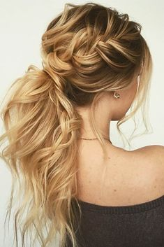 The reason why messy ponytail hairstyles are so popular is that they are very easy to achieve. The messy ponytail hairstyle can be upgraded, updated and modified to accommodate all facial shapes, hair texture and length, as well as any occasion. Cute Hairstyles, Wedding Hairstyles, Hairstyles 2018, Ponytail Hairstyles For Prom, Hairstyle Ideas, Formal Hairstyles For Long Hair, Latest Hairstyles, Ponytail For Prom, Hairstyles For Pictures