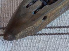 Hilo con intervenciones en lana, tejido en telar