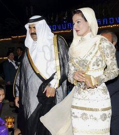 #TBT Sheikha Mozah in breathtaking Jean Paul Gaultier haute couture