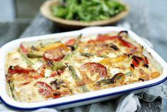 Gratinerte grønnsaker i langpanne Mozzarella, Quiche, Dinners, Breakfast, Food, Red Peppers, Dinner Parties, Morning Coffee, Food Dinners