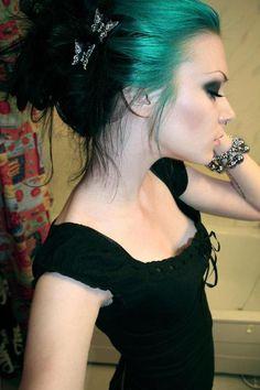 Alternative Hair. [13]