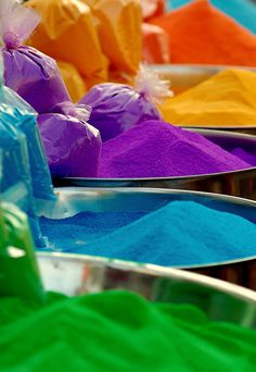 Holi Color Festival of India Inspiration Wand, Color Inspiration, Taste The Rainbow, Over The Rainbow, World Of Color, Color Of Life, Farbiger Sand, Sand Art, All The Colors