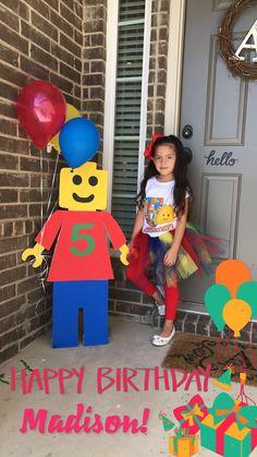 Deco Ideas for Lego Birthday Parties. Ideas for Kids Birthday - Lego geburtstagsparty - Birthday Decoration Lego Themed Party, Lego Birthday Party, 6th Birthday Parties, Boy Birthday, Lego Parties, Birthday Ideas, Lego Birthday Banner, Lego Friends Birthday, Lego Ninjago