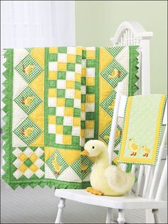 Quilting - Patterns for Children & Babies - Applique Quilt Patterns - Ducks… Quilt Baby, Cot Quilt, Children's Quilts, Baby Applique, Applique Quilt Patterns, Baby Patterns, Bright Quilts, Small Quilts, Quilting Projects