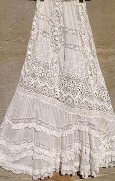 this skirt! Vintage white all over embroiderery Bonnie Strauss Clothing and JewelryLove this skirt! Vintage white all over embroiderery Bonnie Strauss Clothing and Jewelry Boho Gypsy, Bohemian Mode, Gypsy Style, Hippie Chic, Hippie Style, Bohemian Style, Boho Chic, Vintage Outfits, Boho Outfits
