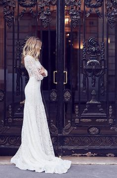White bride dresses. Brides want to find themselves finding the most appropriate wedding day, however for this they require the perfect bridal dress, with the bridesmaid's outfits enhancing the brides-to-be dress. The following are a variety of ideas on wedding dresses.
